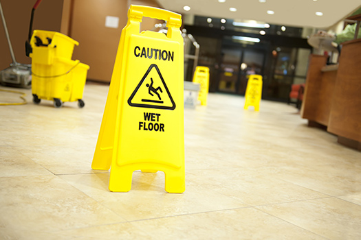 8 Important Safety Hazards for Aging Adults in Mississauga, ON