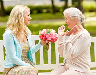5 Ways to Enjoy Mother's Day with Your Elderly Mom in Mississauga, ON