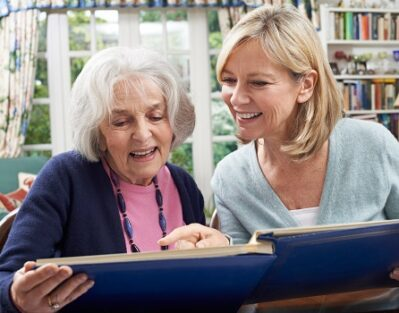 What Are Some Good Activities to Enjoy with Seniors in Mississauga, ON